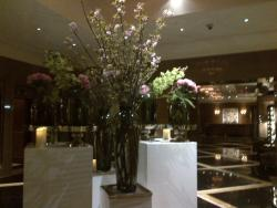 Lobby floral arrangement for Spring.