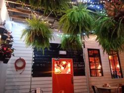 Mollies Grill Bar