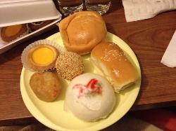 Hong Kong Bakery & Deli