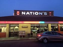 Nation's Giant Hamburgers and Great Pies