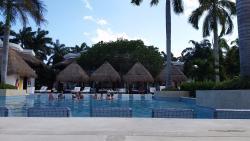 Laguna Villa Suites private pool area