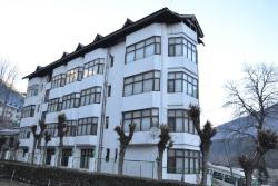 Hotel Manali Palace