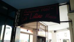 Le Latino Cafe Hotel