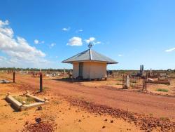 History Tours Australia - Longreach Cemetery Tours