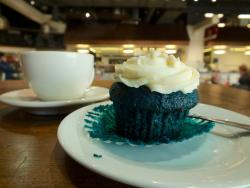 A very blue, very delicious Blue Velvet muffin (the cream cheese icing was out of this world...)