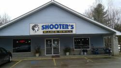 ‪Shooter's Bar and Grill‬