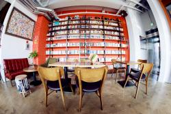 Book Cafe Tong659