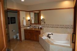 Bathroom of 1 bedroom Sunset Mesa suite