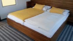 Hotel 99