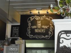 Very welcome Café