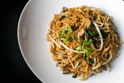 Hakka noodle with mushroom and Chinese chive