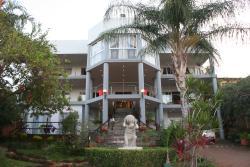 Villa-Candilabra Villa-Too Villa-RoyalPalm Guesthouse