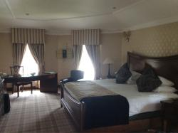 Country Manor Hotel 1 night stay