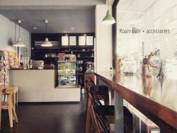 ‪Roam cafe + accessories‬