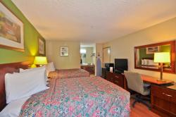 Country Hearth Inn & Suites Marietta