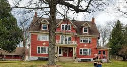 Crystal Bell Inn Bed and Breakfast