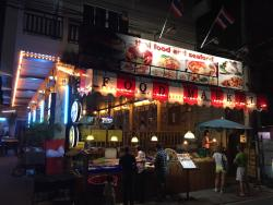 Best Restaurant at Kata Beach - Amazing Authentic Affordable Food