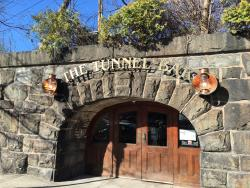 ‪The Tunnel Bar‬