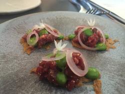 """beef tartar - with wild garlic puree on """"too thin"""" tioast - Tom & Max"""