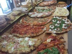 Bar Pizzeria 8 E 1/2