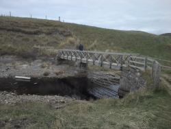 Footbridge access to Farr beach