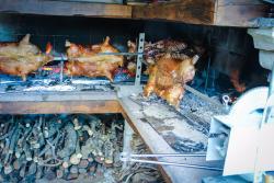 il maialetto sardo con la cotenna croccante rimane un must della cucina sarda