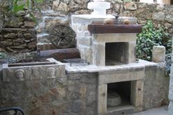outdoor fire-place