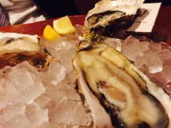 Washoku Oyster Dining Urara Jimboucho