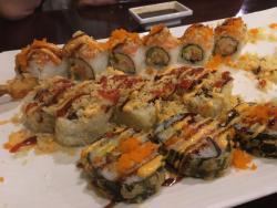 Sushi Yuka: Roll & Pho