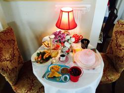 Holly Berry Tea Room & Gifts