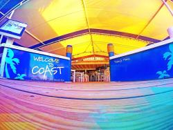 Coast Beach Cafe & Lounge