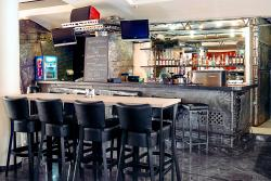 Grill & Bar Grizzly