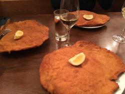 Если вы не ели этот шницель с вином Grüner Veltliner, вы не были в Вене