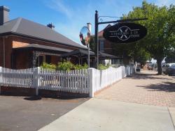 Ilfracombe & Company Cafe