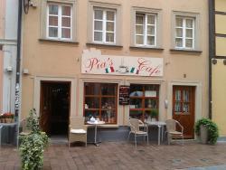 Pias Café