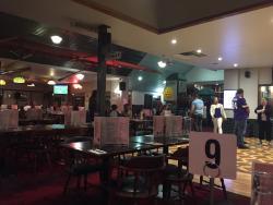 Ogdens Bar & Grill
