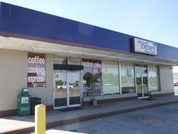 DeDe's Donuts & Coffee