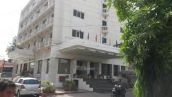 Hotel Athihi in Agra