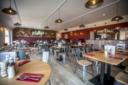 Molly's Bar and Restaurant
