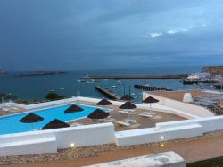 From my room one can see the pool and the Beleeira port