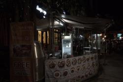 The Moon Villa & Restaurant
