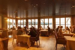Restaurant Bootshaus mit direktem Seeblick