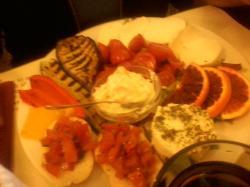 Il T con arancia, bruschette al pomodoro senza aglio