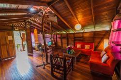 Coco Loco Lodge