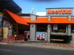 Hooters Party Center