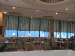 Maroon Café at Silka West Kowloon Hotel