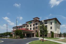 Holiday Inn Express & Suites Lexington NW-The Vineyard
