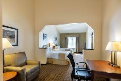 Clarion Inn & Suites West Chase