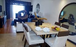 Ocean View 1 Bedroom Master Suite #3723 Dining & Living area