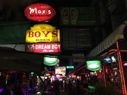 Maxis Bar & Restaurant